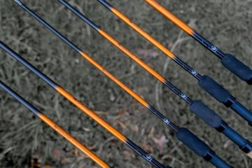 Guru N-Gauge Power Feeder Rod 12ft zwart - oranje witvis wicklepicker 3m60 1-80g